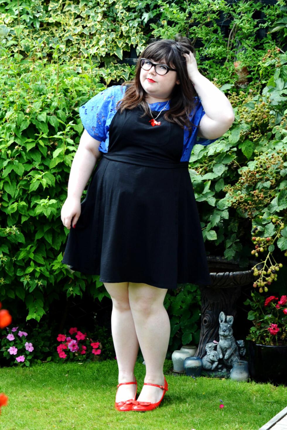 INGEN HINDRING: At Lauren ikke rager så mange centimetrene over bakken hindrer henne ikke i å finne fine antrekk. Foto: Pocket Rocket