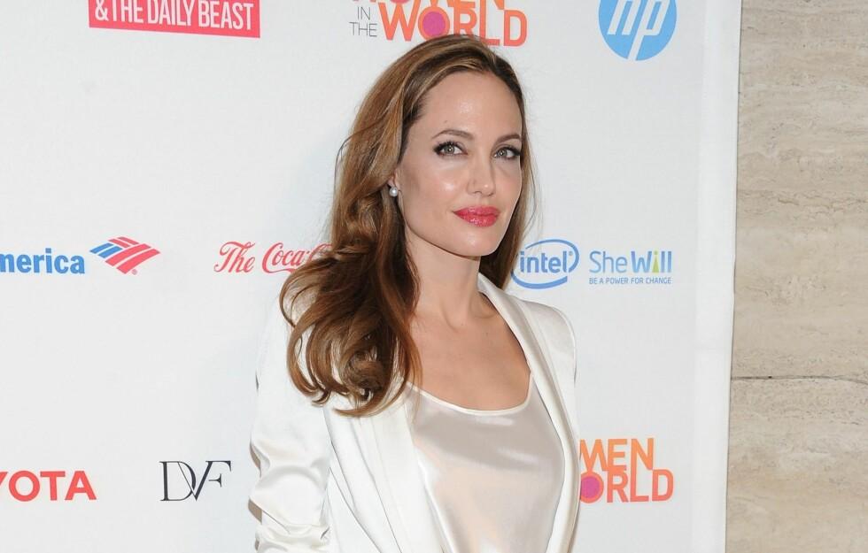 FJERNET BEGGE BRYSTENE: Nylig tok Angelina Jolie en dobbel mastektomi, da legene mente hun hadde 87 prosent sjanse for å utvikle brystkreft og 50 prosent sjanse for å utvikle eggstokkreft. Foto: All Over Press