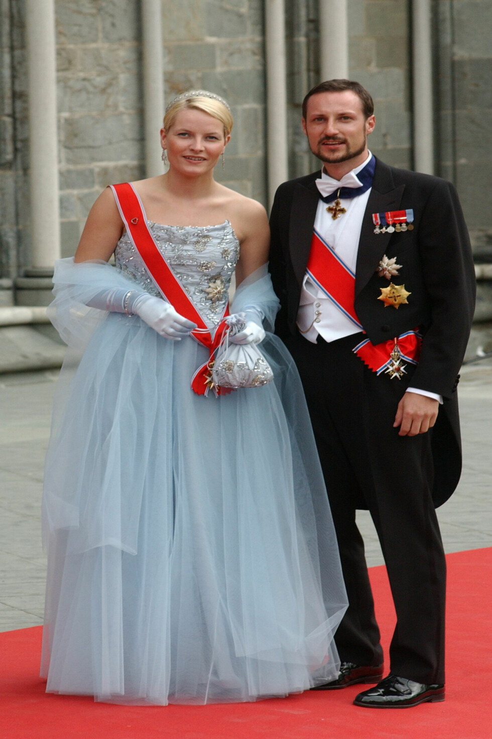2002: Her er den vakre prinsessekjolen designet av Ove Harder Finseth.  Foto: All Over Press