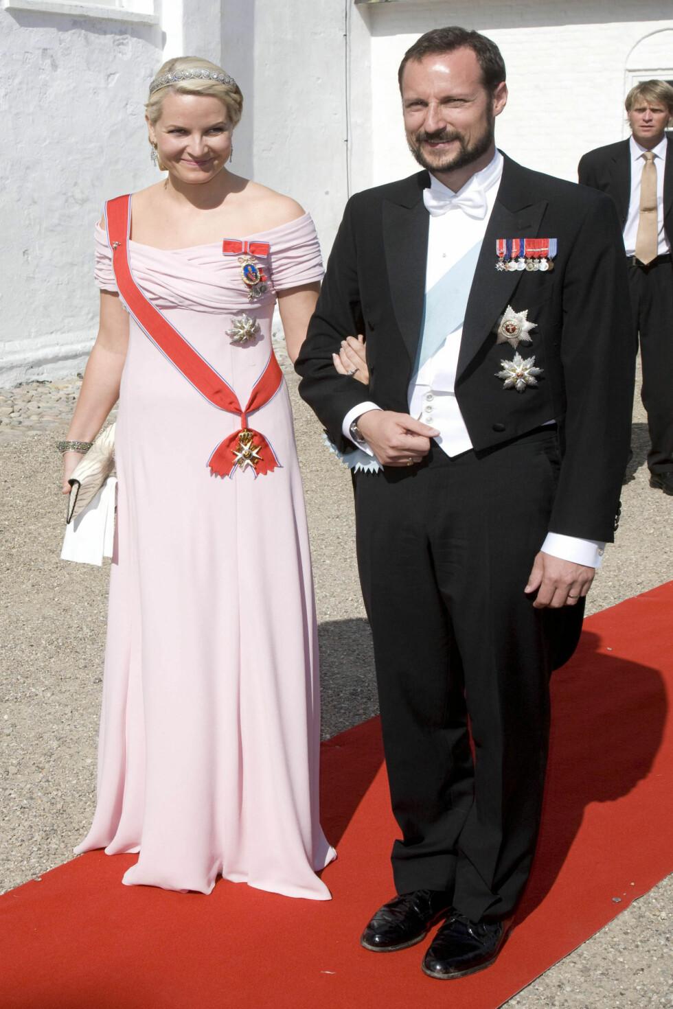 2008: I en pudderosa drøm av en kjole fra Valentino.  Foto: All Over Press
