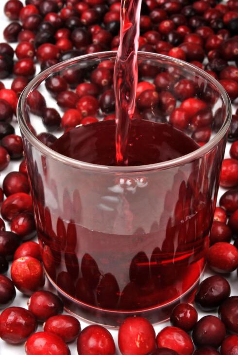 TRANEBÆRJUICE: Det er delte meninger om tranebærjuice virker forebyggende mot urinveisinfeksjon, men det skader ikke å prøve. Foto: Colourbox.com