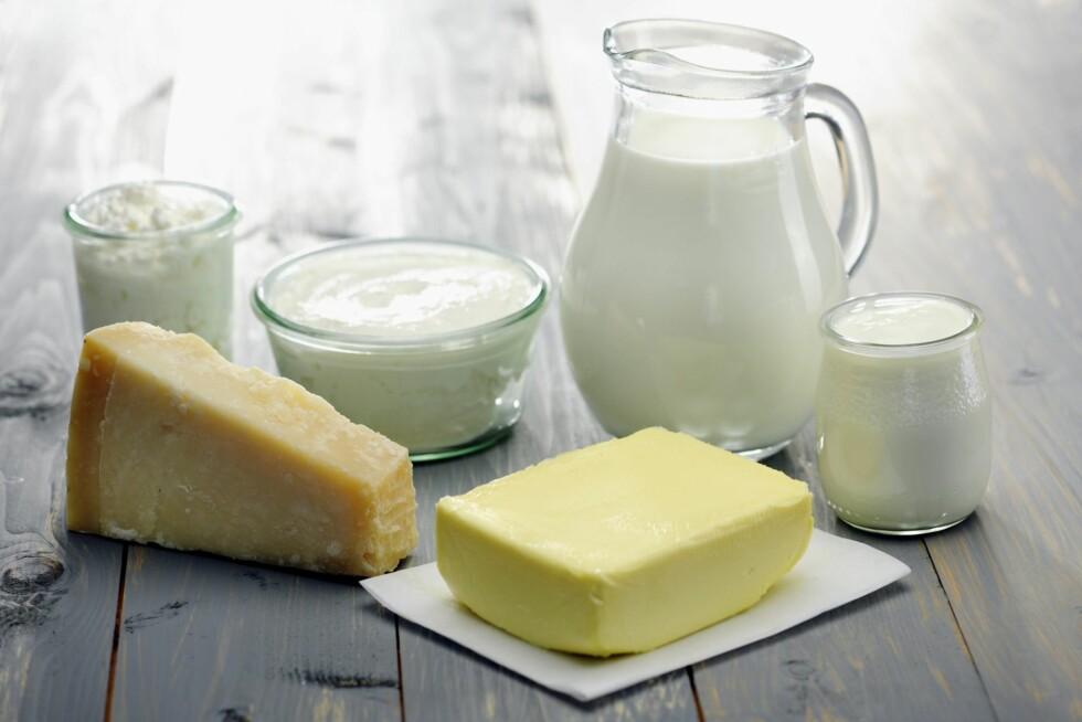 PILLER ER IKKE ET MUST: Du får masse kalsium gjennom for eksempel melk og ost. Foto: Getty Images/iStockphoto