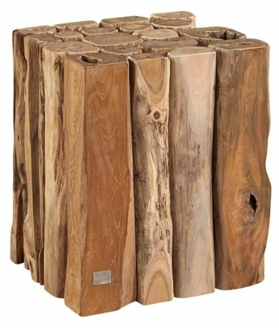 """Teakbord, med navnet """"Woody"""" (kr 1750, artwood.se). Foto: Produsenten"""