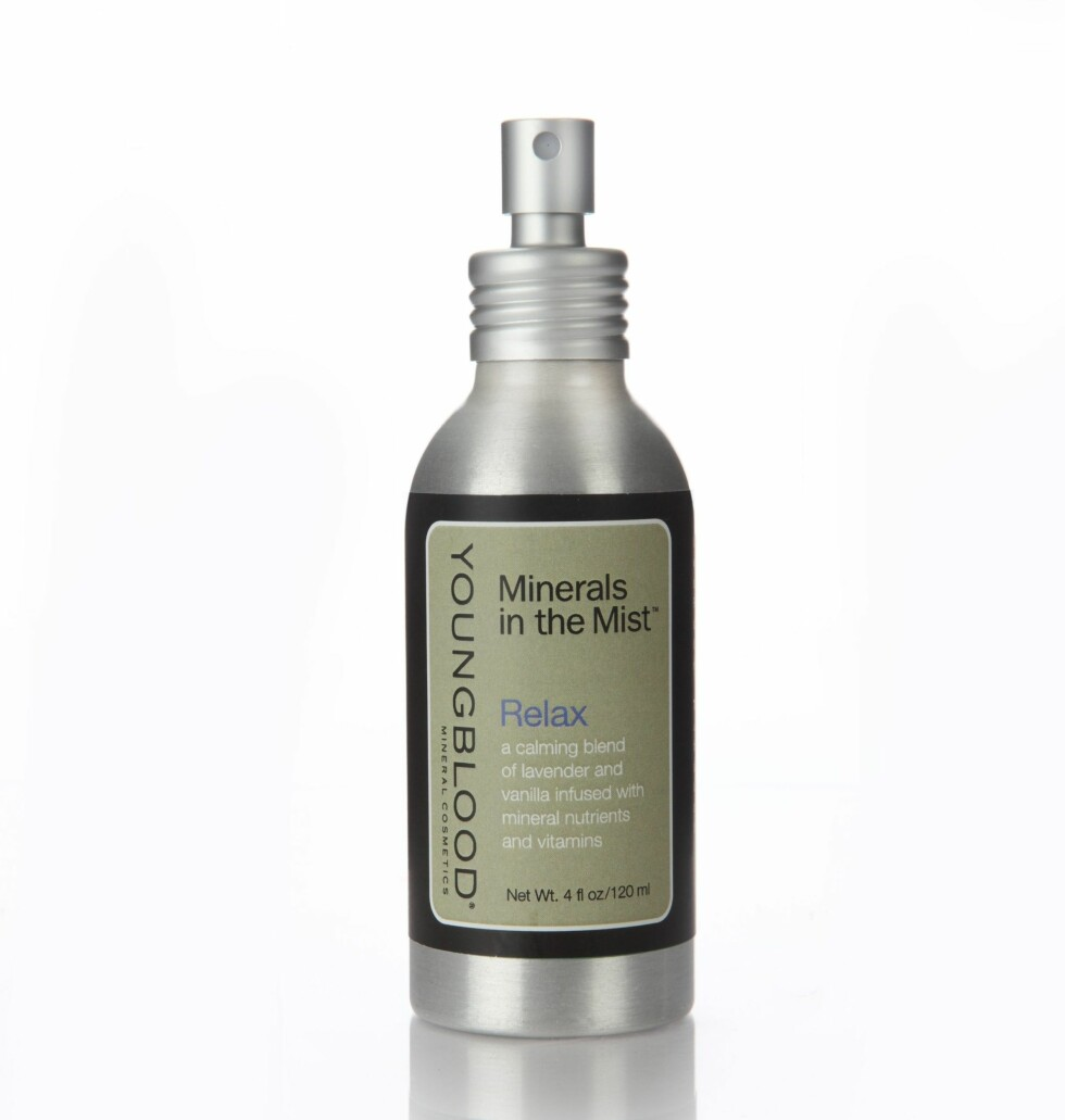 Mineralspray (kr 295, Youngblood, Relax).