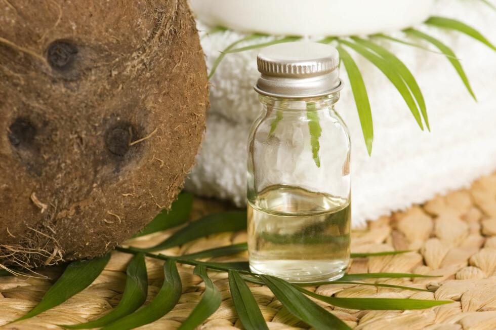 KOKOSVANN: Kokosvann inneholder fem ganger så mye kalium som en sportdrikk, og kan i tillegg bidra med energi.  Foto: Thinkstock.com