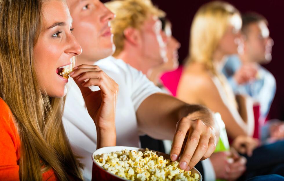 KINOKOS: Det kan fort bli et helt lite måltid fullt av unyttige kalorier. Foto: PantherMedia/Arne Trautmann