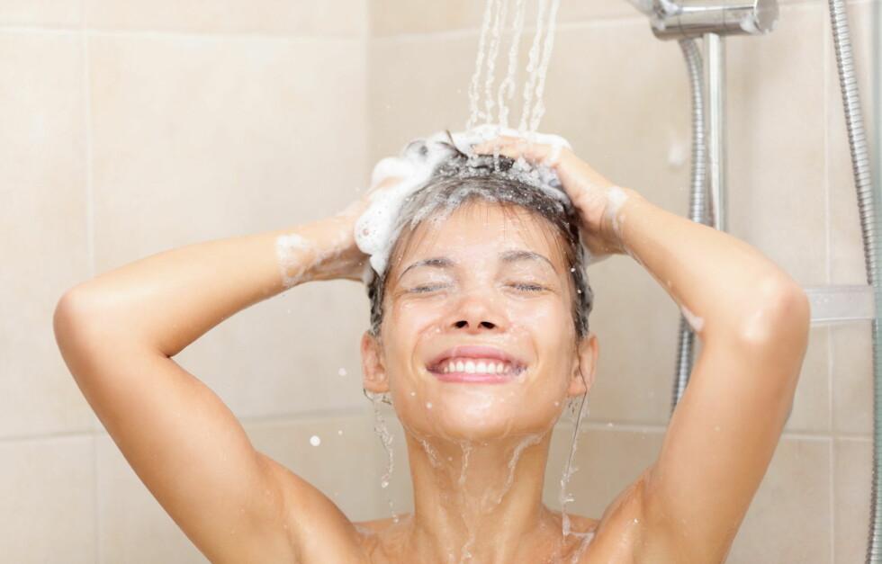 RENSELSE: For å vaske håret rent kan du like gjerne bruke en billigsjampo. Foto: Getty Images/iStockphoto