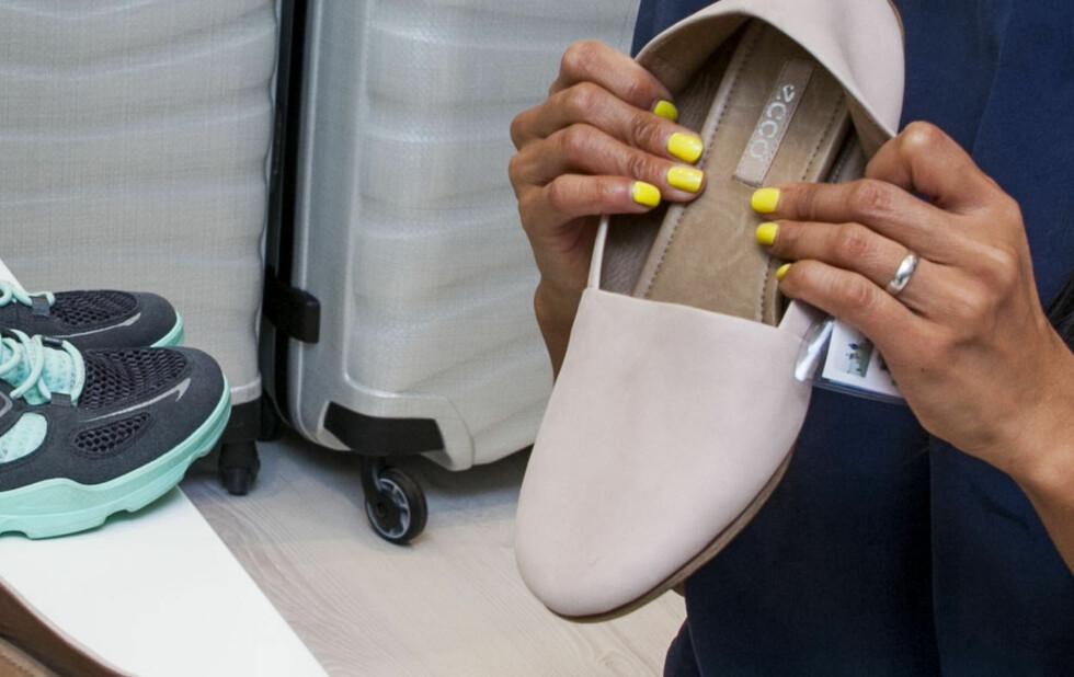 INNSIDEN AV SKOEN: Også innsiden av skinnskoene dine bør rengjøres, smøres og impregneres.  Foto: Per Ervland