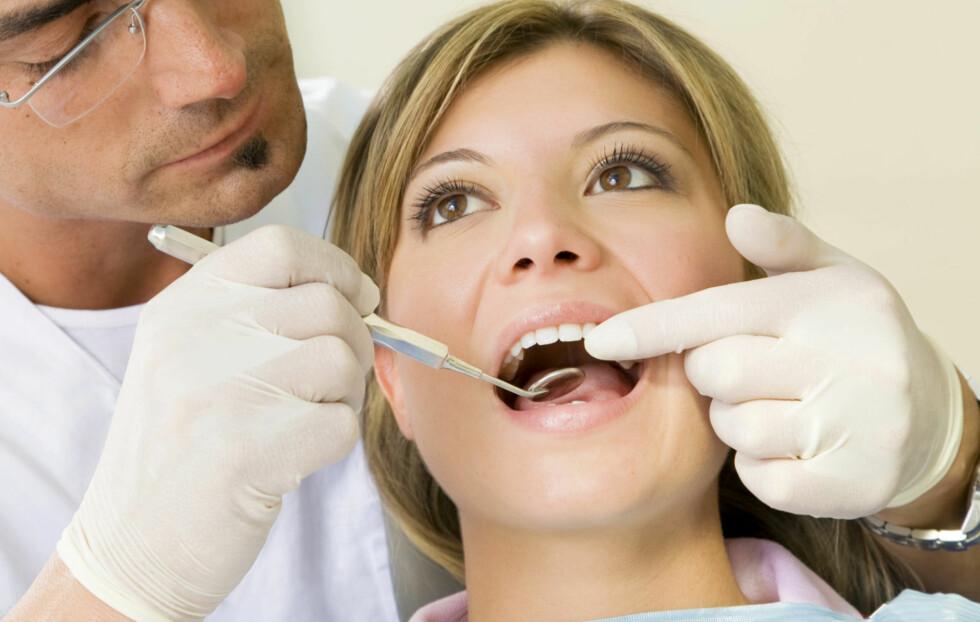 PLASTFYLLINGER KAN HA en NEGATIV EFFEKT: En ny undersøkelse viser at de hvite plastfyllingene som blir brukt av norske tannleger kan lekke ut i munnhulen og påvirke det lokale immunforsvaret i munnen.  Foto: Thinkstock.com