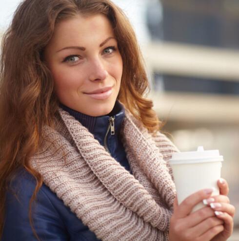 <strong>TREN OG SNAKK:</strong> Ta med kaffen på tur, så blir kaffetreffet både et sosialt treff og en treningsøkt. Foto: Colourbox