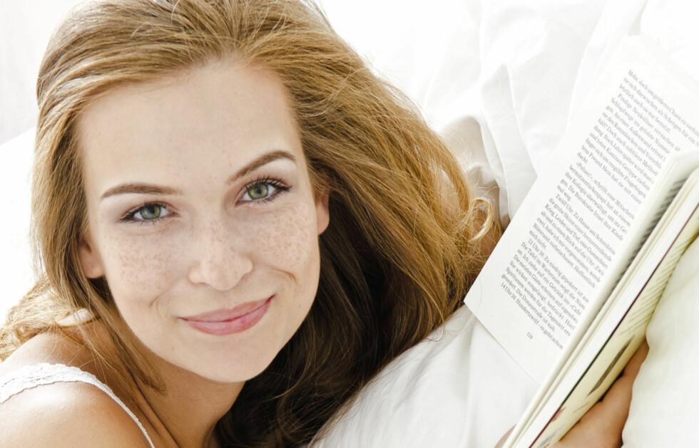 LES EN GOD BOK I FERIEN: Koble av med godt lesestoff denne påsken! Foto: Thinkstock