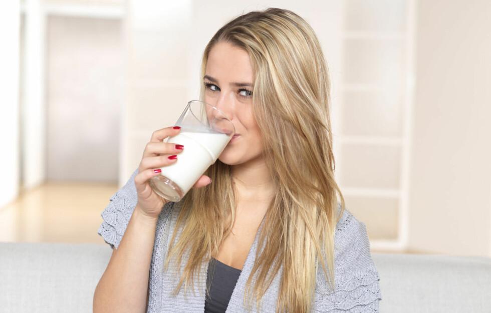 DEN HVITE DRIKKEN: Melk har blitt mer populært de siste årene, og stadig flere varianter kommer i butikken. Foto: PantherMedia/Alexander Beck