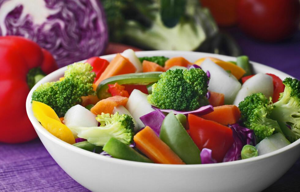 JA TAKK: Frukt og grønt er alltid bra, men variantene med sterke farger er best! Foto: Getty Images/iStockphoto