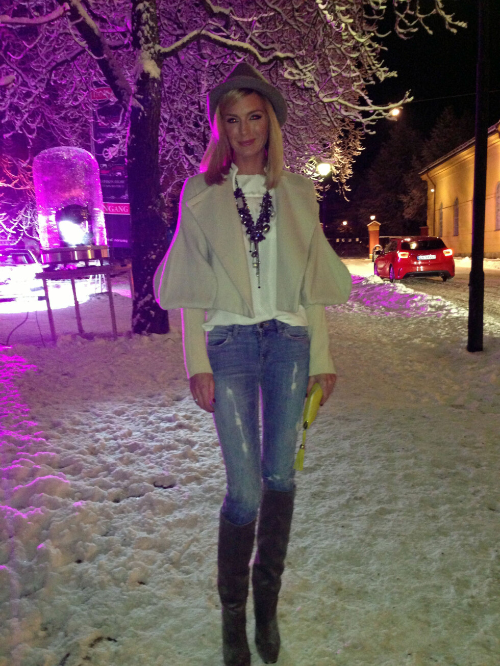 Kathrine Sørland: Støvletter fra Ferragamo, jeans fra Lindex, topp fra Chloe, smykke fra So-B og jakke fra Stella McCartney. Foto: Silje Ulveseth