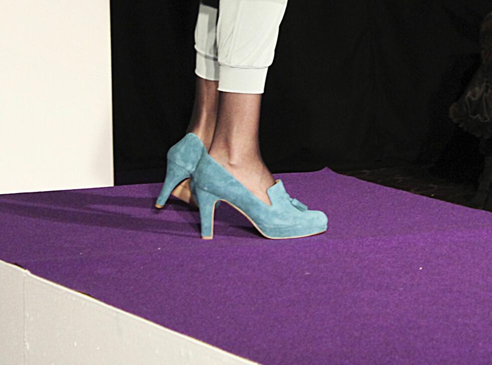 SETT PÅ CATWALKEN: Pasteller er lov til høsten. Høy frontlapp på skoen er også populært.  Foto: Benedicte Haugaard