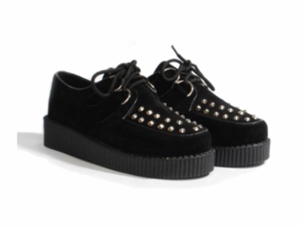 PLATÅ OG SØLVNAGLER: Marly-skoene fås hos Shelikes.com for kr 235,- Foto: Produsenten