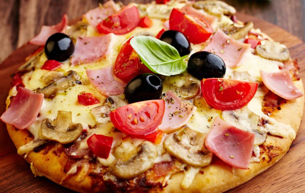 JUNK-FOOD? Pizzaen trenger ikke være en kaloribombe! Våre kostholdseksperter gir deg de beste tipsene og oppskriftene. Foto: Thinkstock.com
