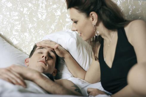 VÆR OBS: Kjæresten din er en typisk smitter, så ikke kom for nær når han er syk. Foto: Getty Images/iStockphoto