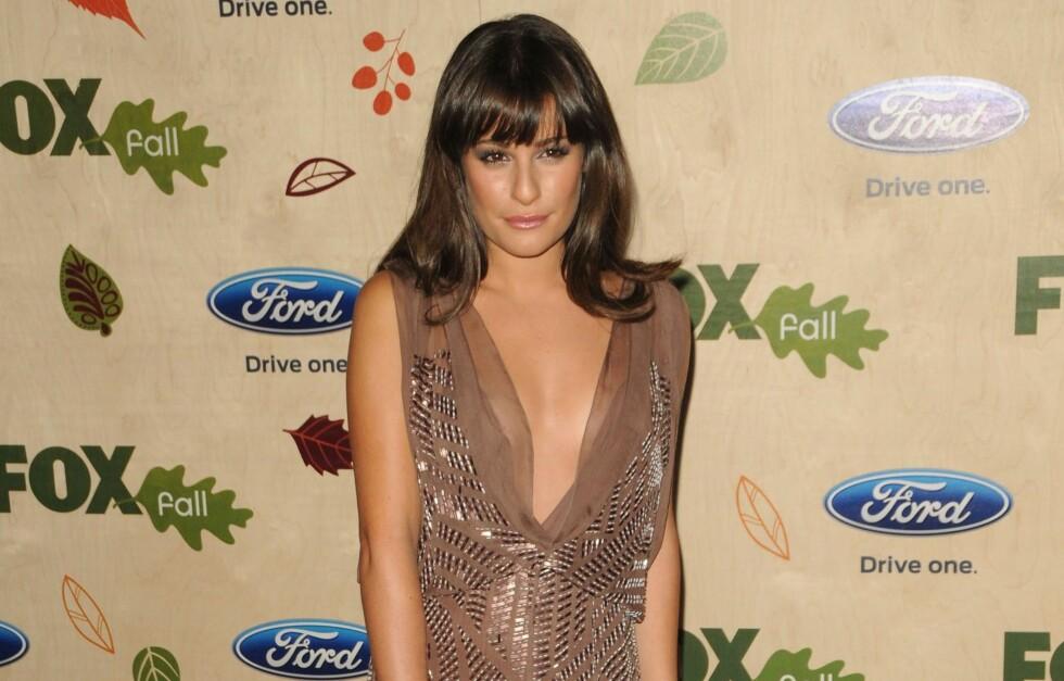 VÅGAL: «Glee»-stjernen Lea Michele gikk for en J. Mendel-kjole med dyp v-kløft. Tør du? Foto: All Over Press