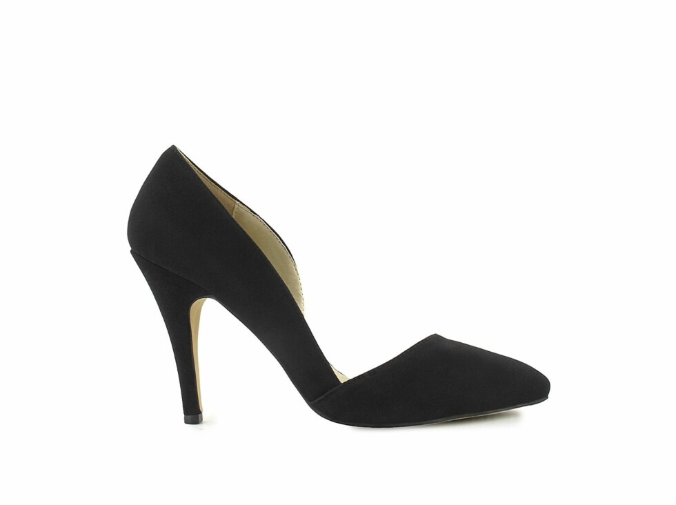Pumps med sexy skjæring (kr 349/Nelly Shoes). Foto: Produsent