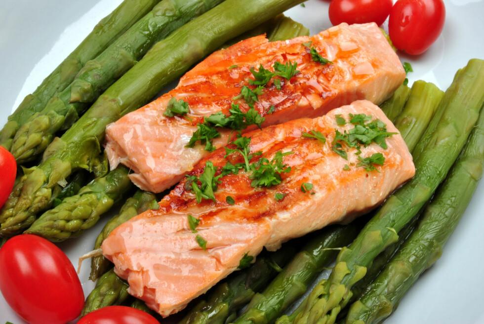 BESKYTTER: Studien viser at et økt inntak av omega-3 (som blant annet finnes i laks) kan beskytte hjernen mot de skadelige effektene av fruktose.  Foto: Colourbox.com