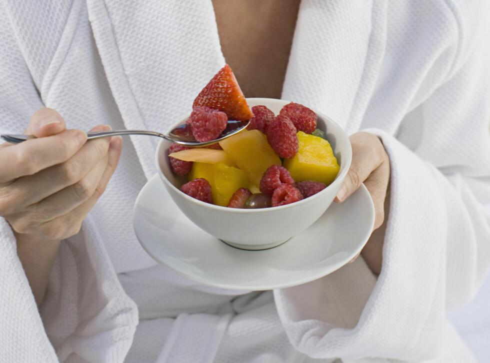 IKKE SKADELIG: Det er ikke fruktosen du får i deg gjennom frukt og bær, men den som er tilsatt i behandlede mat- og drikkevarer, samt ferdigretter, som er skadelig. Foto: Thinkstock