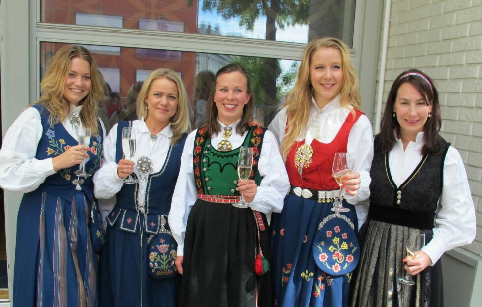 HURRA!: Hold stilen hele dagen gjennom.Det klarte disse jentene med glans i fjor. Foto: Stine Okkelmo