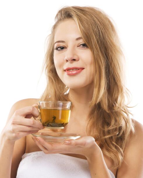 GRØNT OG SKJØNT: Grønn te holder deg frisk og ung! Foto: Colourbox