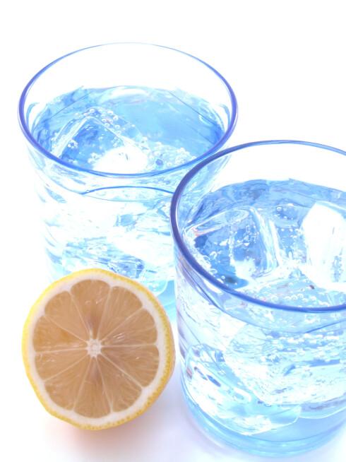 SAMME SOM ÉN AGURK: En halv agurk tilsvarer å drikke cirka ett glass vann. Én agurk tilsvarer dermed cirka to glass vann.  Foto: iStockphoto