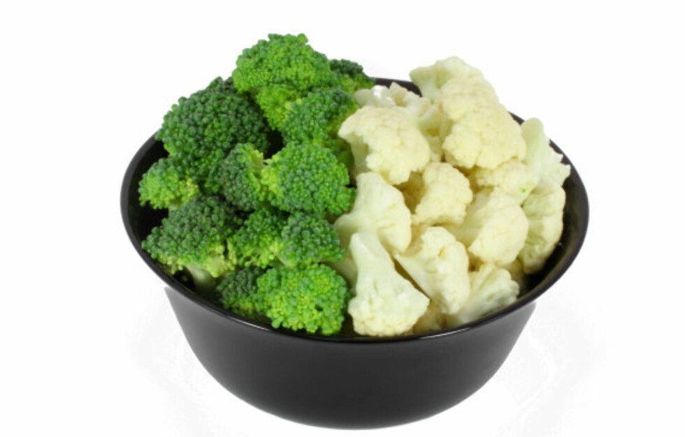 KALORIFATTIG: Blomkål og brokkoli er blant de mest næringsrike grønnsakene du kan spise, og beskytter blant annet mot kreft. I tillegg er de svært kalorifattige.  Foto: Getty Images/Zoonar RF