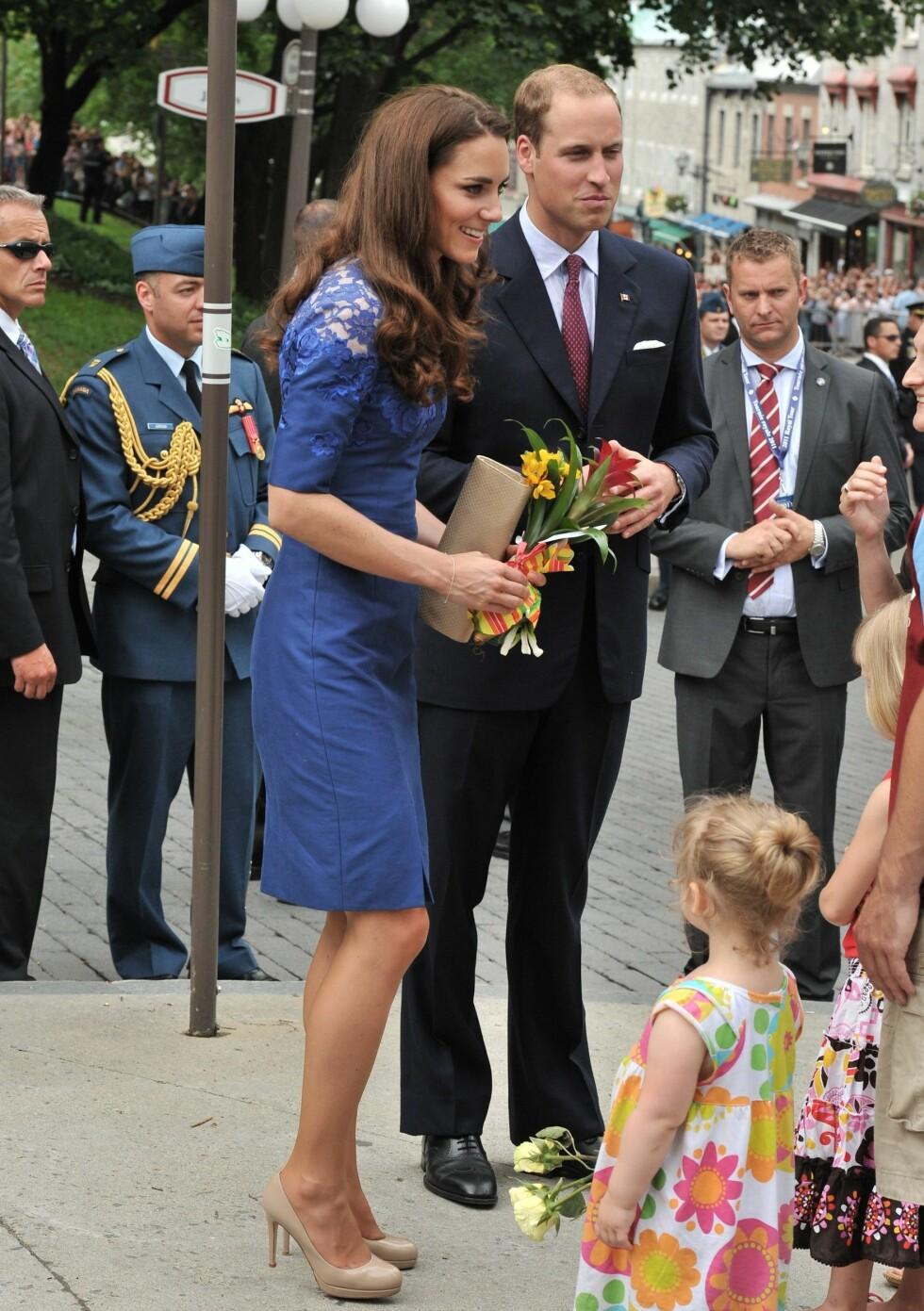 Kate avbildet 3. juli i fjor da hun var i Quebec, Canada. Legg merke til skoene ... Foto: All Over Press