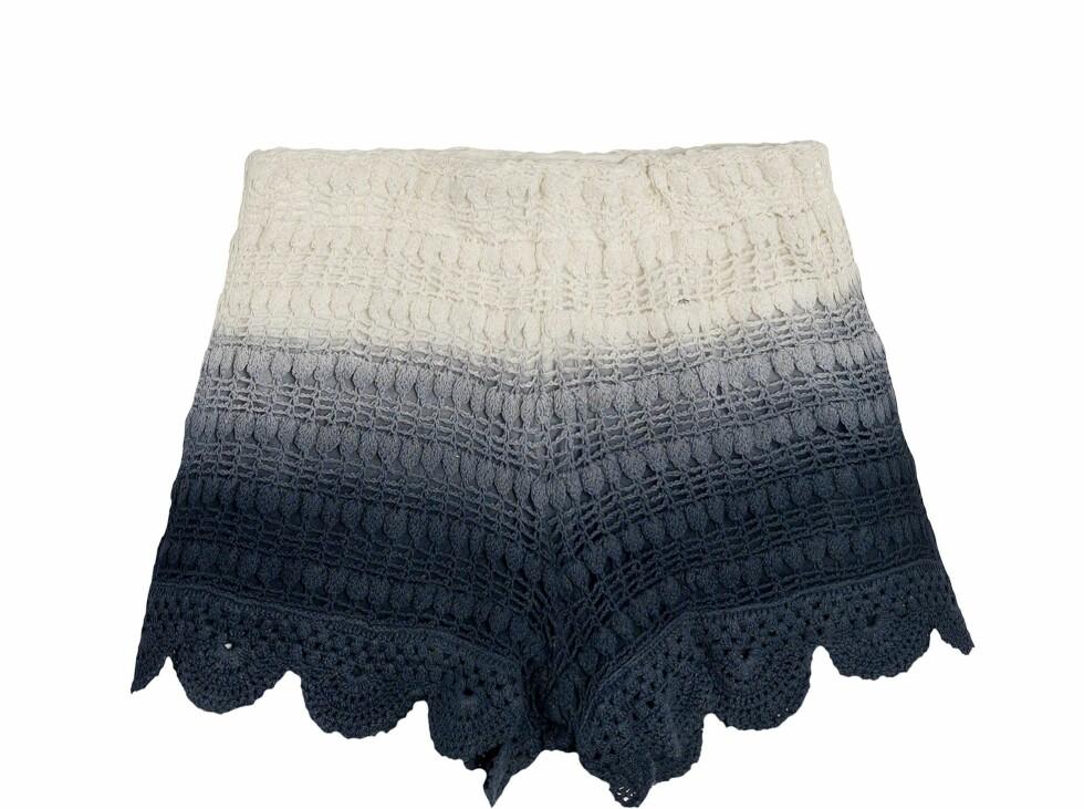Heklet batikkshorts (kr 300, Zara). Foto: Produsenten