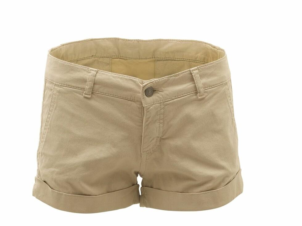 Shorts med brettet kant (kr 500, Samsøe & Samsøe). Foto: Produsenten