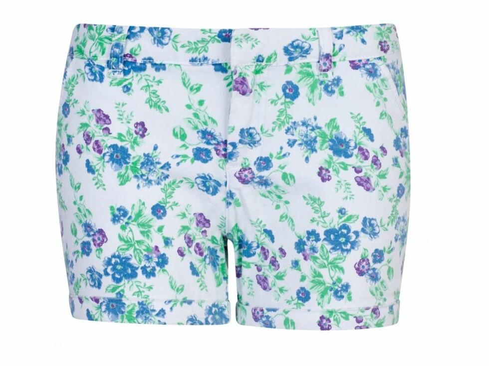 Søt shorts med retropreg (kr 150, Bik Bok). Foto: Produsenten
