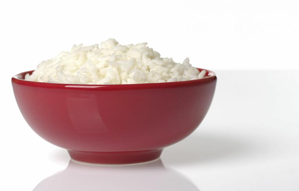 TROLIG ÅRSAK: Ifølge forskerne kan forbindelsen mellom hvit ris og diabetes ha en sammenheng med blodsukkernivåene. Hvit ris har nemlig en høy glykemisk indeks (GI) og fører til en rask stigning i blodsukker. Foto: Getty Images/iStockphoto