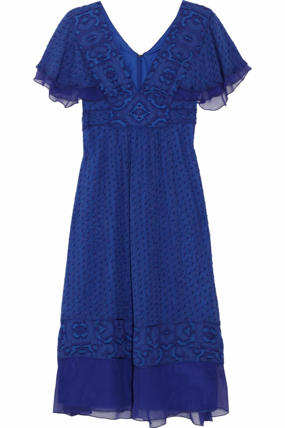 Flatterende kjole fra Anna Sui (ca kr 2800/netaporter.com). Foto: Produsent