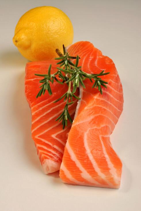 <strong>MER AV DETTE:</strong> Sørg for å få i deg fisk flere ganger i uka.  Foto: Colourbox.com