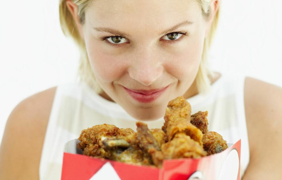 MER SULTEN: Det er en kjent sak at lukten av mat påvirker appetitten og gjør at du blir sulten, men visste du at lukten av maten også kan ha en stor innvirkning på hvor mye du spiser? Foto: Getty Images