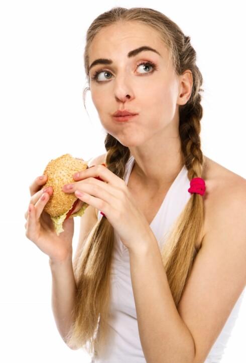 TYGG I VEI: Neste gang du spiser, så tenk over om du tyger maten skikkelig. Foto: Colourbox