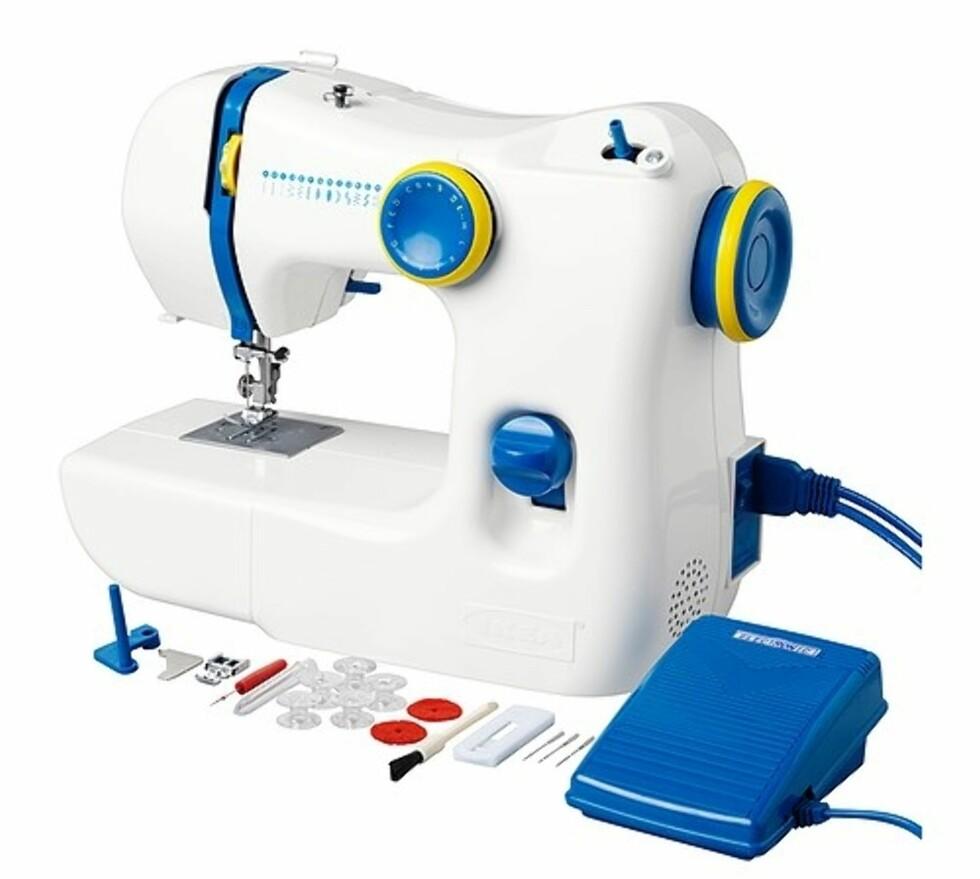 SY: Symaskin i et lite fryktinngytende design (kr.498). Perfekt for nybegynnere. Foto: Ikea