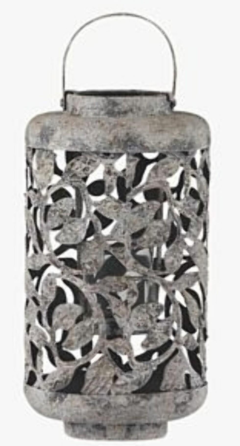 Telysholder  med nostalgisk preg (kr.150). Foto: Produsenten