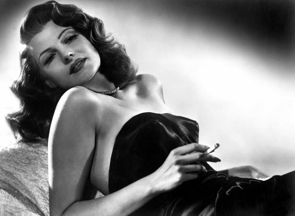 """ELSKET DIOR: Filmstjernen Rita Hayworth var blant dem som sverget til """"the New Look"""" fra Christian Dior.  Foto: All Over Press"""