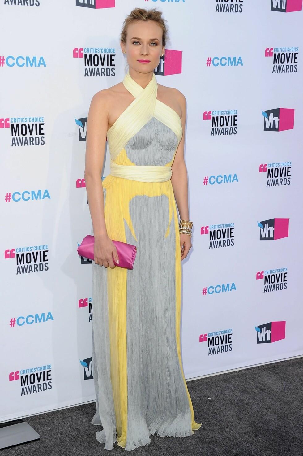 SLIK KAN DET GJØRES: Diane Kruger var strålende vakker i vårens hete kombo. Se og stem på alle antrekkene på KK.no's motetjeneste Trendtoppen (følg lenken over). Foto: All Over Press