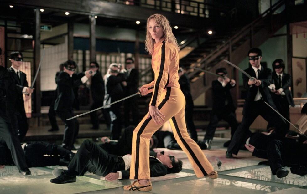 SPENSTIG STRIPEBRUK: Skuespiller Uma Thurman er stilig i sidestriper i Kill Bill - en av vårens hete buksetrender. Foto: All Over Press