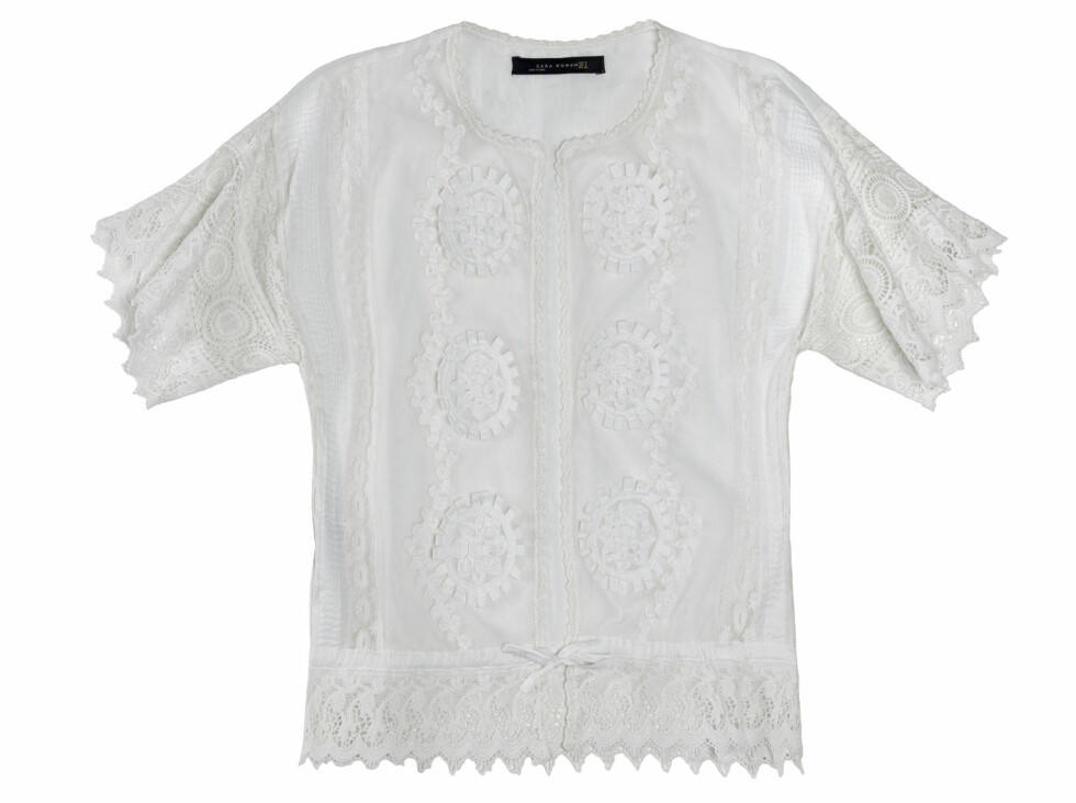 Hvit overdel med blonder og knyting (Kr.559) Foto: Zara