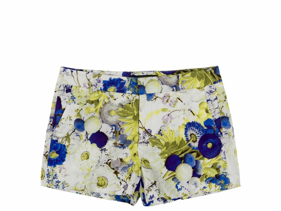 Shorts med blomstertrykk (Kr.399) Foto: Zara