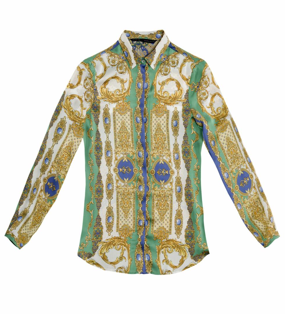 Skjorte med silkeskjerf-print (Kr.399) Foto: Zara
