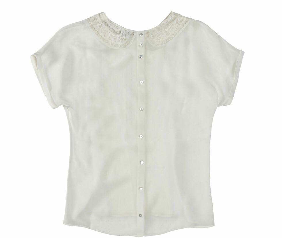 Hvit bluse med blondekrage (Kr.559) Foto: Zara