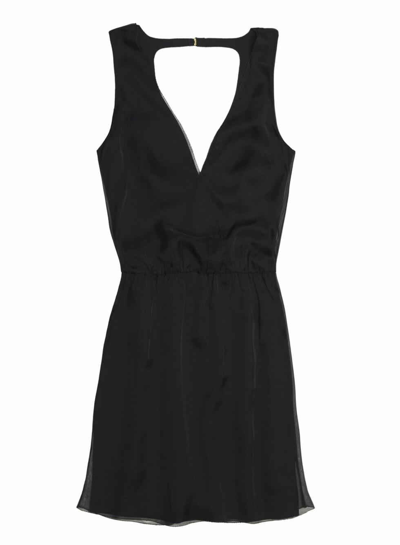 Kort, sort kjole (Pris kommer). Foto: Zara
