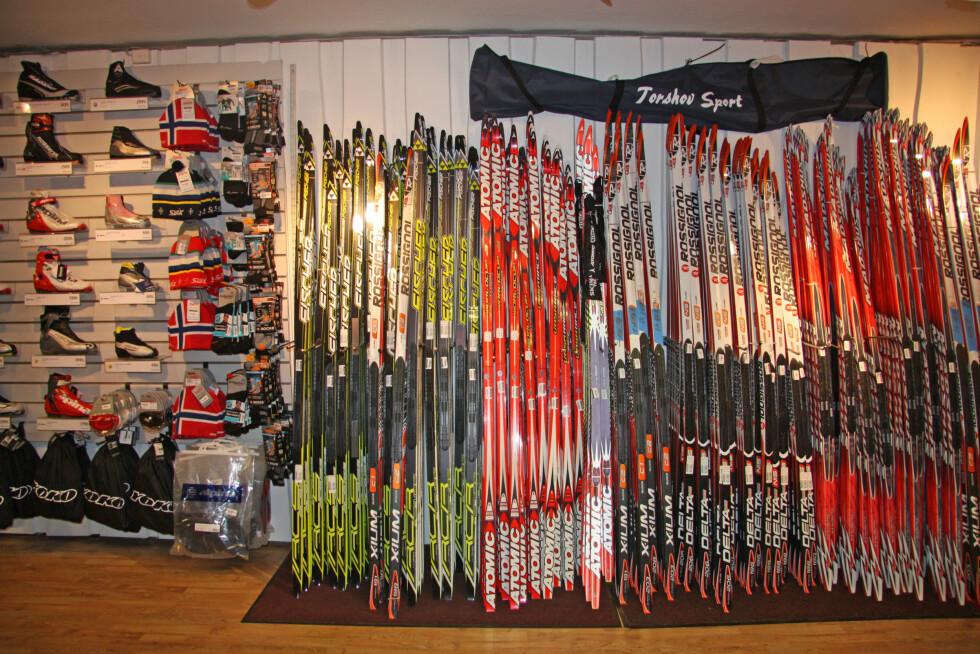 <strong>RIKTIG SPENN:</strong> Når du skal kjøpe deg langrennsski er det viktig at det er riktig spenn i skien din. Riktig spenn kommer an på faktorer som vekt, høyde, bruksområde etc.  Foto: Adéle Cappelen Blystad